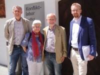 Konfliktlabor Schallaburg 2014 - v.l.: Oliver Jeschonek, Frau Glasl, Friedrich Glasl, Peter Fritz